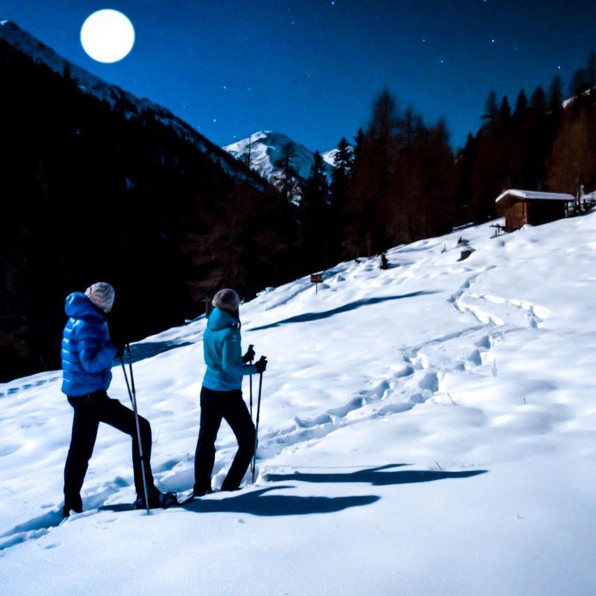 Geführte Schneeschuhwanderung bei Nacht